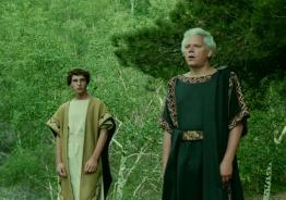 """Andreas von Rauch (Empédocles) e Vladimiro Baratta (Pausânias) em cena do filme """"A Morte de Empédocles"""", de Straub & Huillet."""
